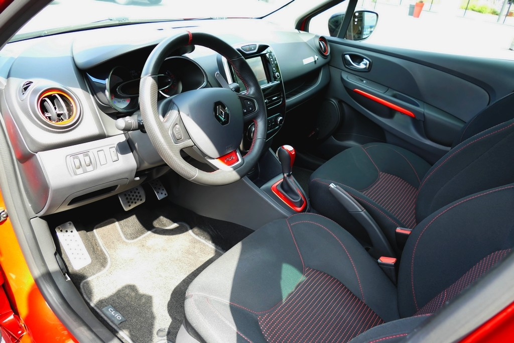 Renault Clio 4 RS Trophy 220 EDC