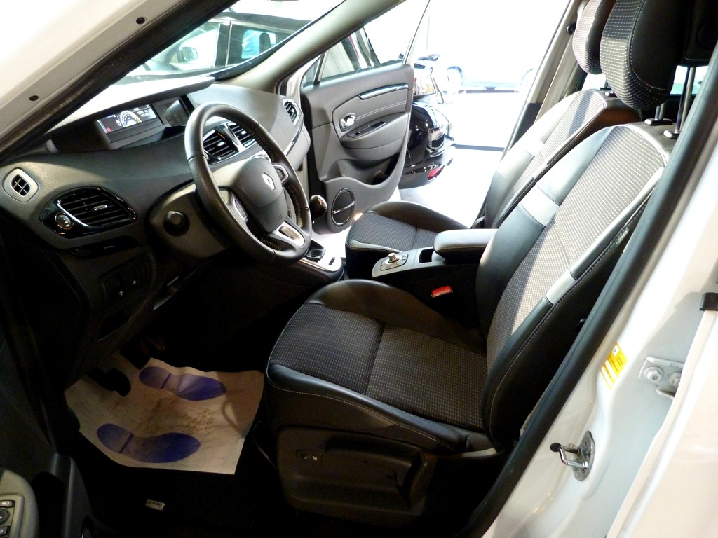 RENAULT SCENIC 1.4 TCe 130 BOSE EDITION
