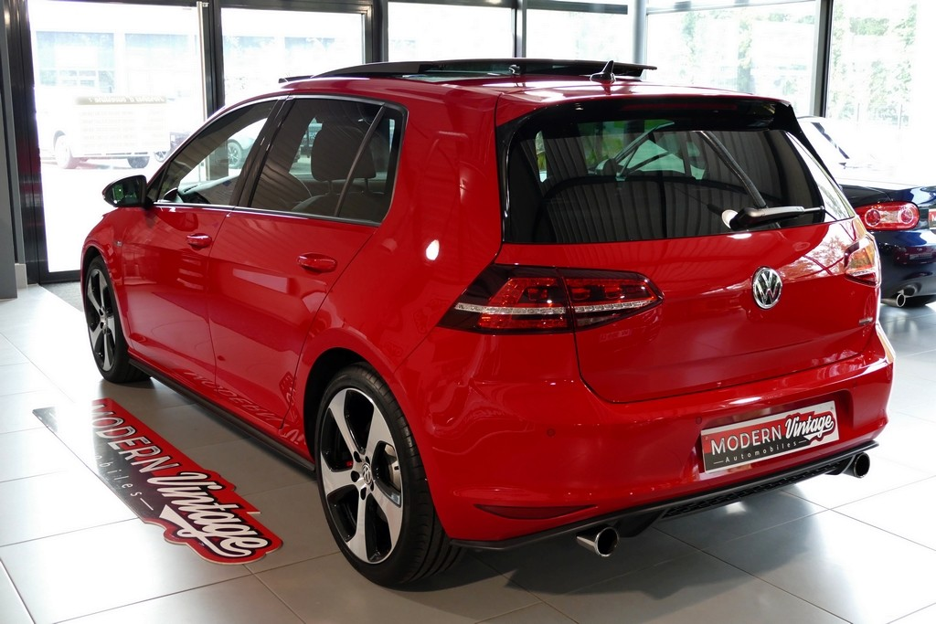 Volkswagen Golf VII GTI Performance 2.0 TSI 230