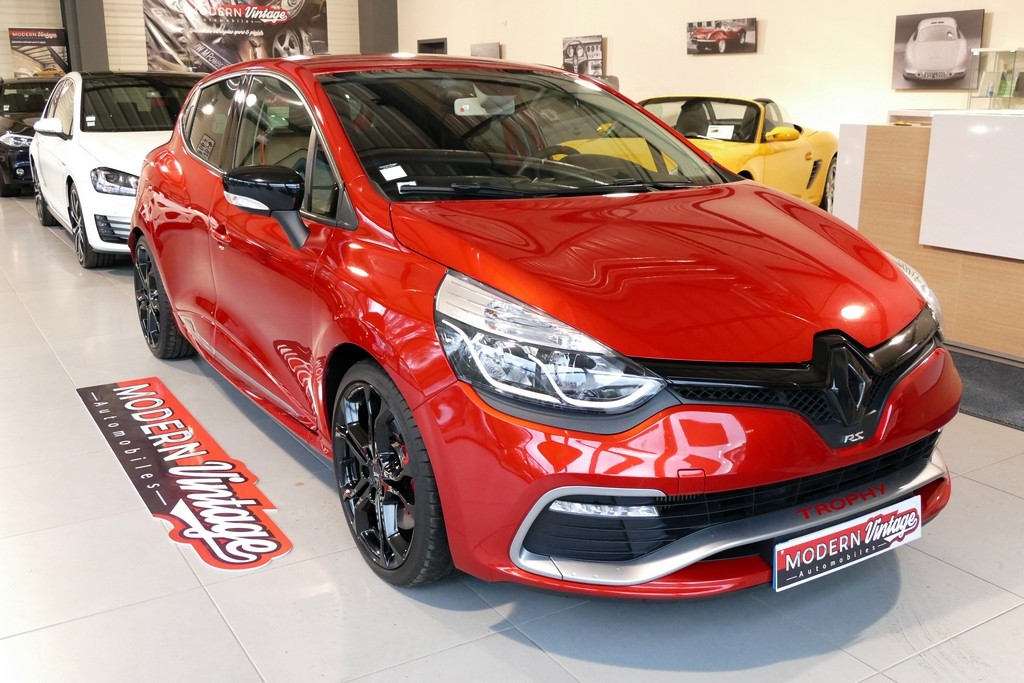 Renault Clio IV RS Trophy EDC 220