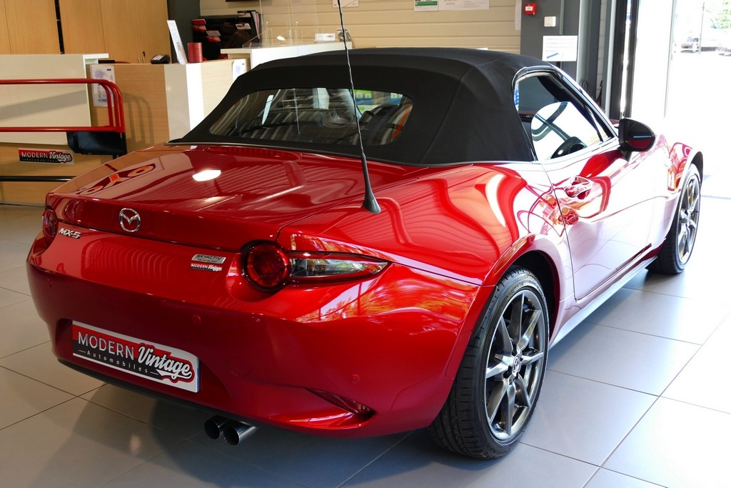 Mazda MX-5 ND 2.0 160 Roadster Selection Recaro