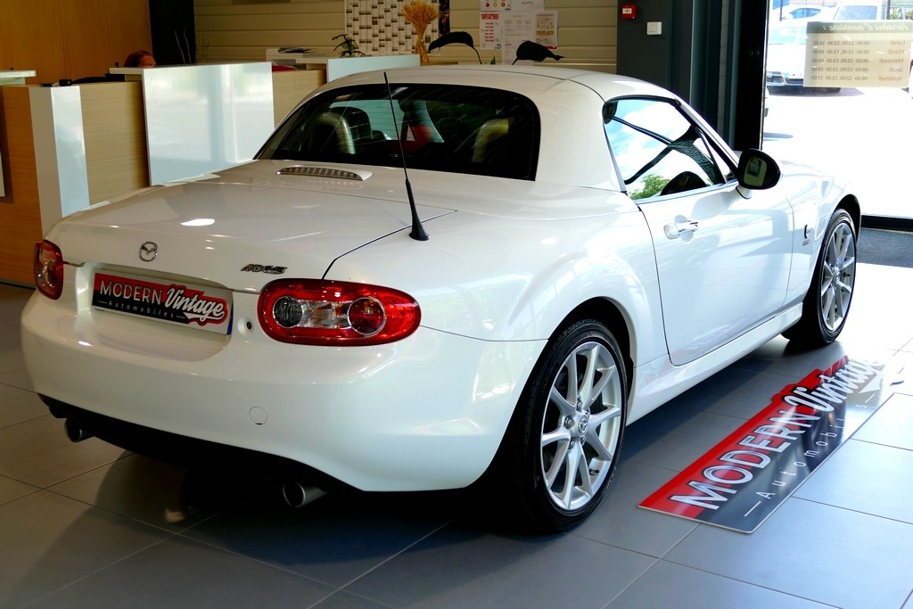 Mazda MX-5 2.0 160 Roadster Coupe Sports-Line